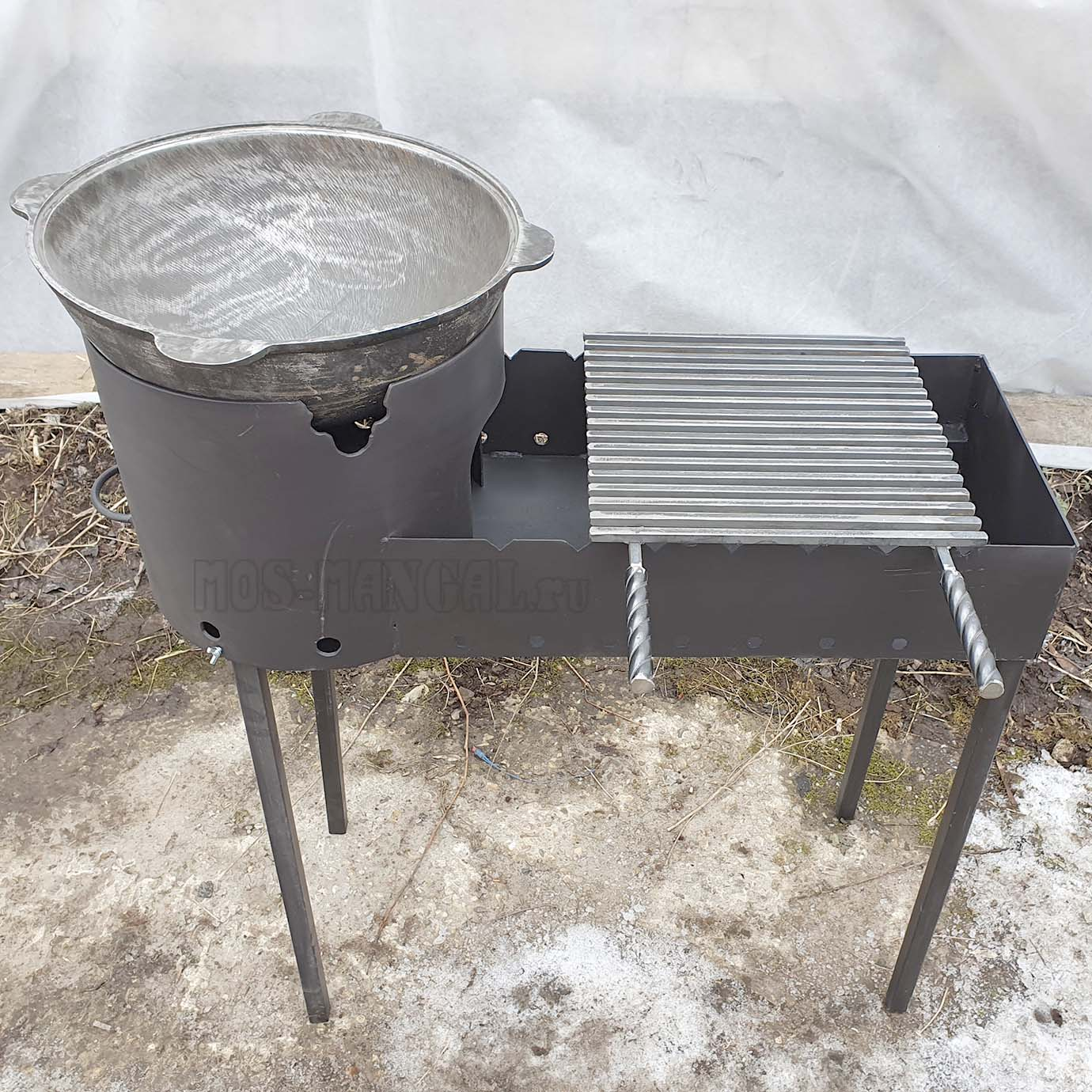 Казан-мангал #812 (сталь 3 мм) в дополнительной комплектации с казаном и решеткой-барбекю